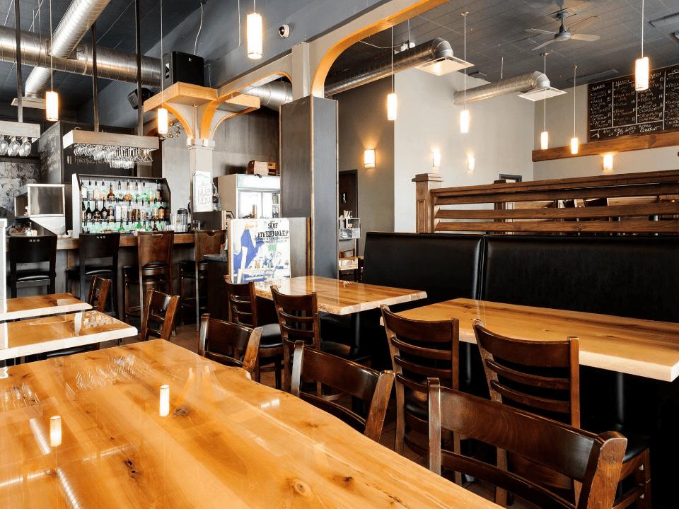 Restaurant Bistro Café Summum La Baie