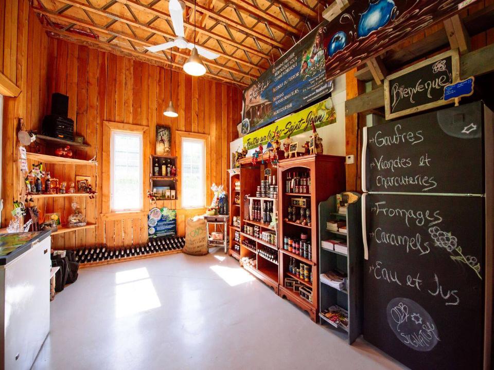 Food Store Domaine Lorée des Bois Notre-Dame-de-Lorette