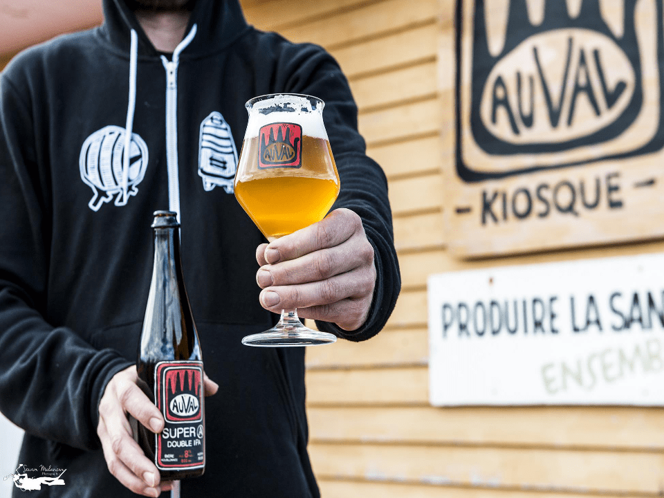 Microbrewery Brewery Auval Brewing co. Val-D'espoir Gaspesie Craft Beer