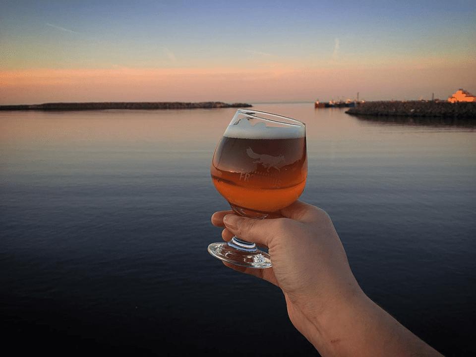 Microbrewery Au Frontibus Gaspé Craft beer