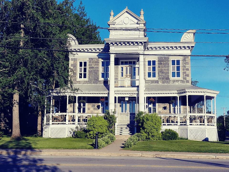 Microbrewery Le Presbytère Saint-Stanislas-de-Champlain