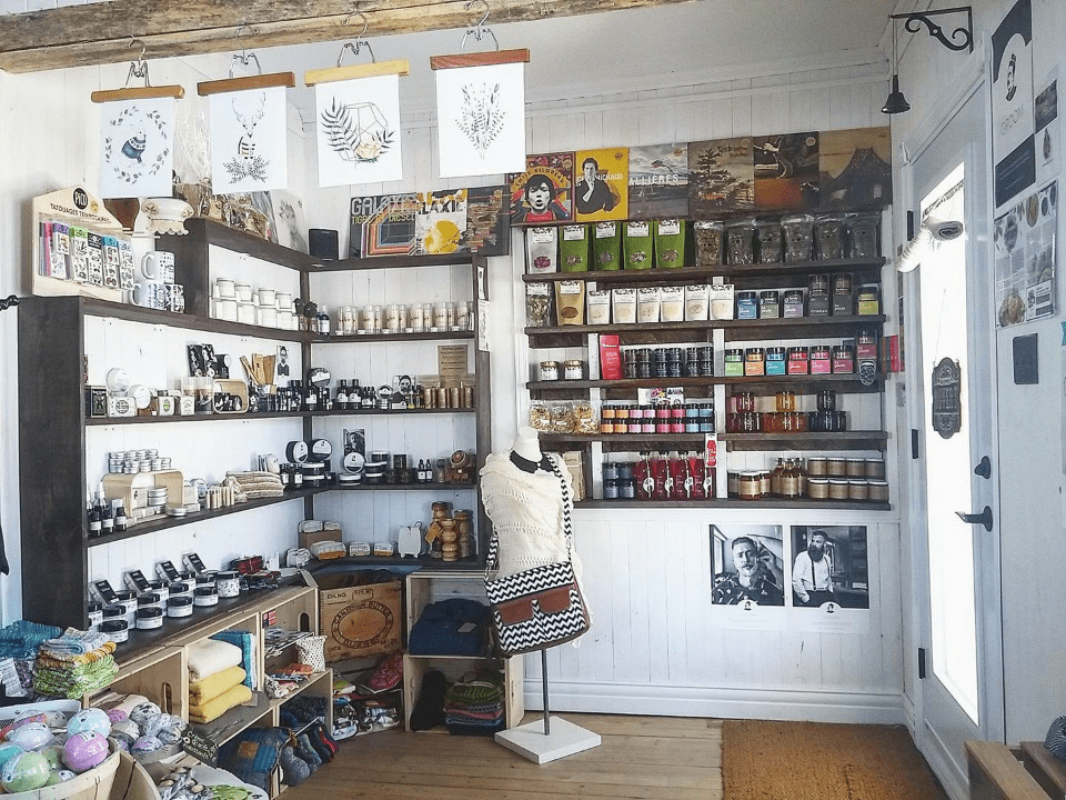Boutique La Belle Posticaire Sainte-Hedwidge-de-Roberval Ulocal local product local purchase