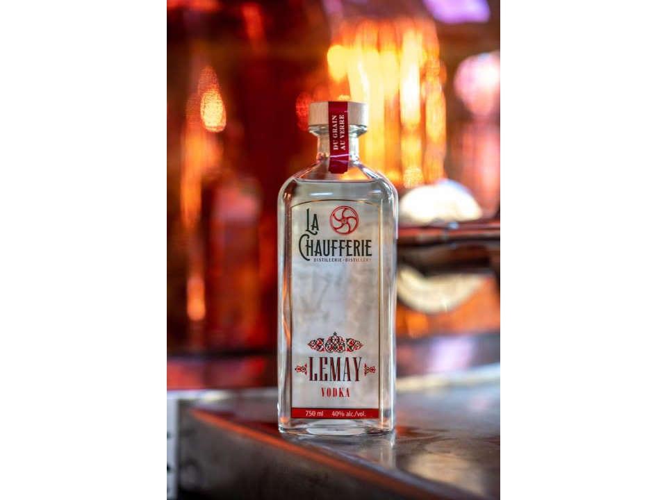 Alcool La Chaufferie Distillerie Granby Ulocal produit local achat local bar gin