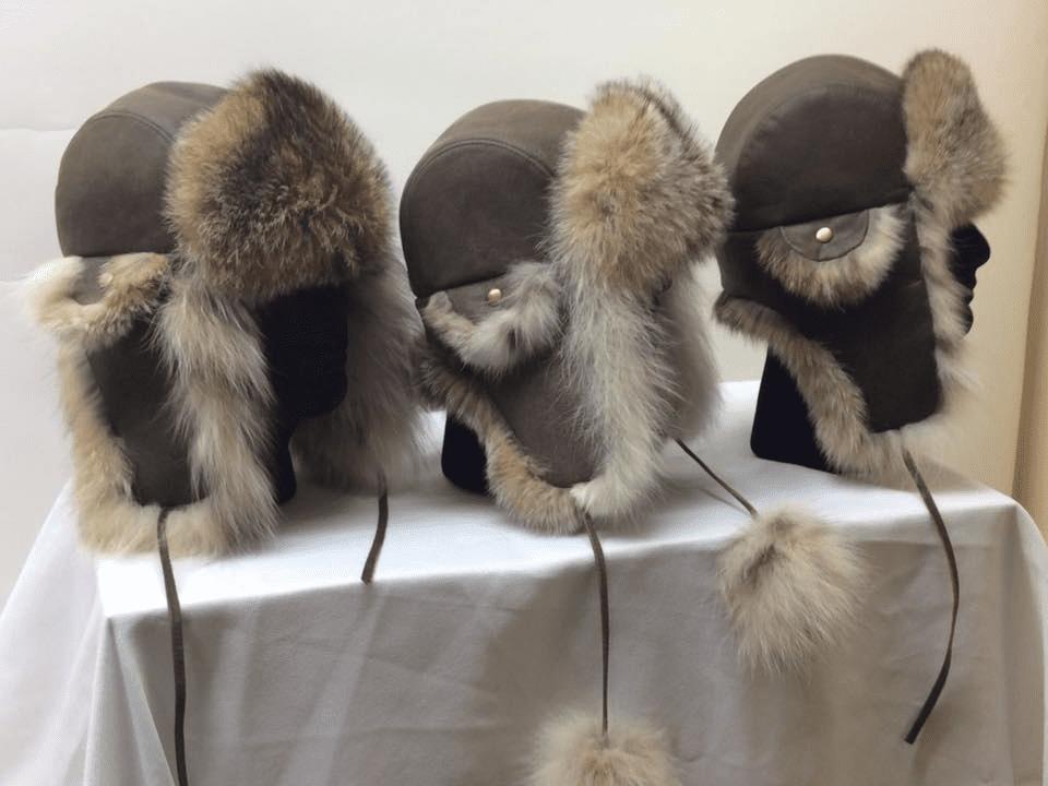 Vêtements accessoires chapeau mitaine Fourrures Audet Sainte-Justine Ulocal produit local achat local