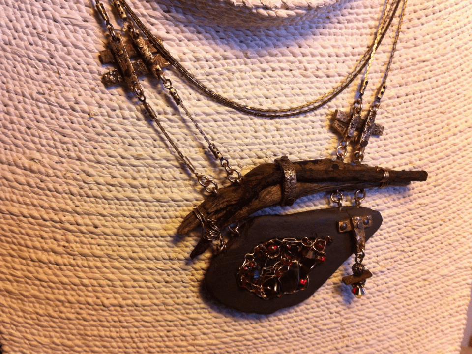 Jewelry and accessories Josée Laneville artist Quebec Ulocal local product local purchase
