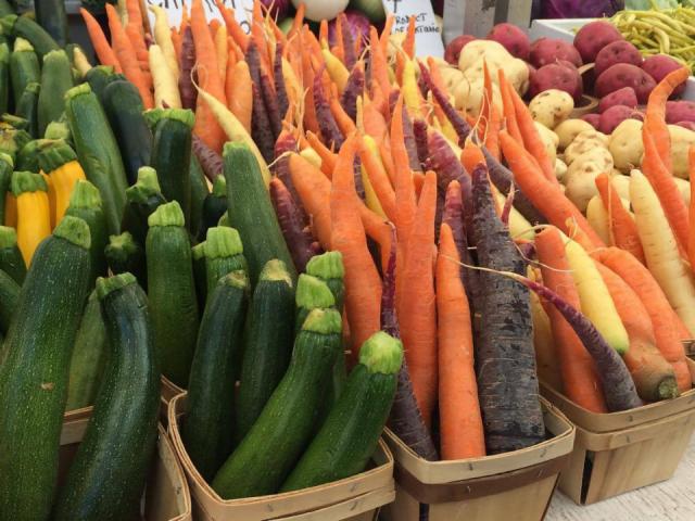 marché légumes ByWard Market Ottawa Ulocal produit local achat local
