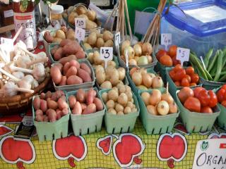 marché étalage légumes Brockville Farmers Market Brockville Ulocal produit local achat local