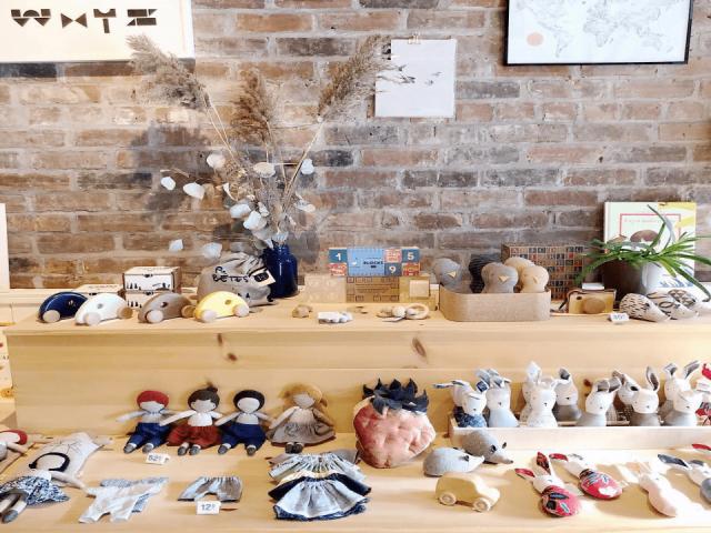 Artisans boutique fait à la main Peluches Ouistitine Montréal Ulocal produit local achat local