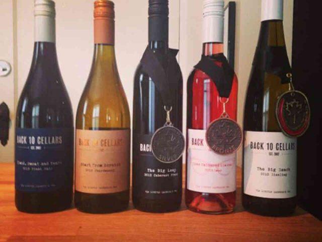 Vignoble bouteilles de vin Back 10 Cellars Lincoln Ulocal produit local achat local