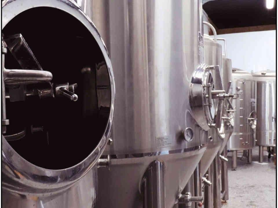 Microbrasserie cuves bière Cassel Brewery Casselman Ulocal produit local achat local