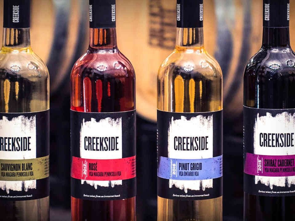 Vignoble bouteilles de vin Creekside Estate Winery Lincoln produit local achat local