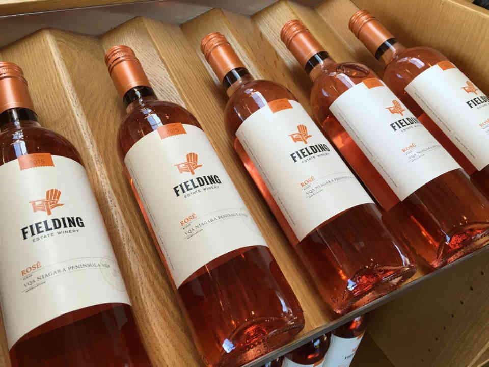 Vignoble bouteilles de vin Fielding Estate Winery Lincoln Ulocal produit local achat local