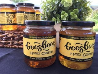 Apiculteur pots de miel Gees Bees Honey Company Ottawa Ulocal produit local achat local