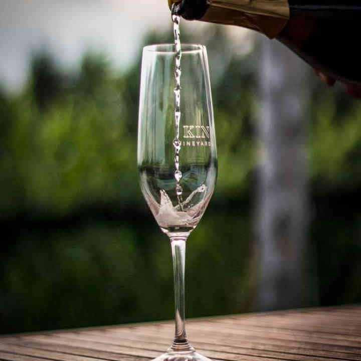 Vineyard wine glasses Kin Vineyards Carp Ulocal local product local purchase