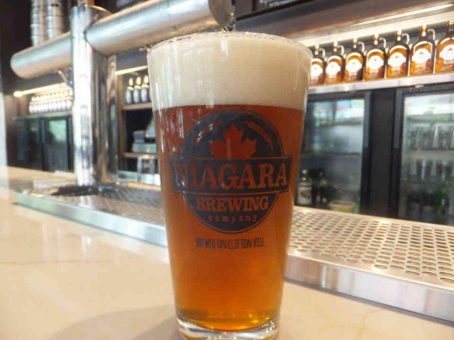 Microbrasserie verre bière Niagara Brewing Company Niagara Falls Ulocal produit local achat local