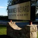 Vignoble enseigne Ravine Vineyard Estate Winery Niagara-on-the-Lake Ulocal produit local achat local