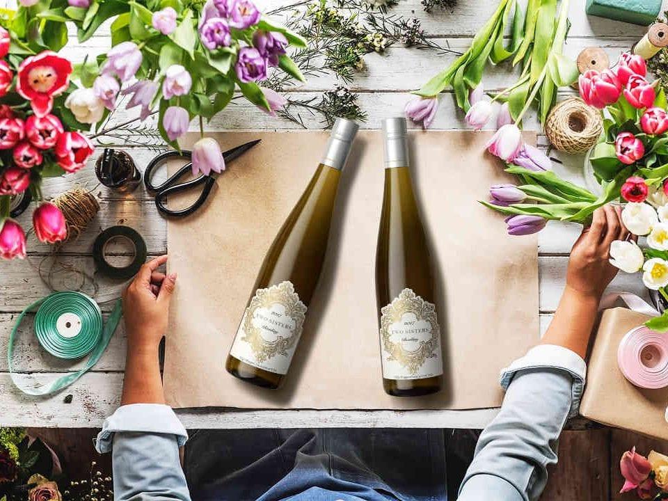 Vignoble bouteilles de vin Two Sisters Vineyard Niagara-on-the-Lake Ontario Canada Ulocal produit local achat local