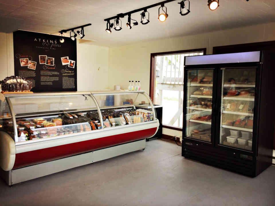 Poissonnerie alimentation Atkins et Frères Mont-Louis Ulocal produit local achat local