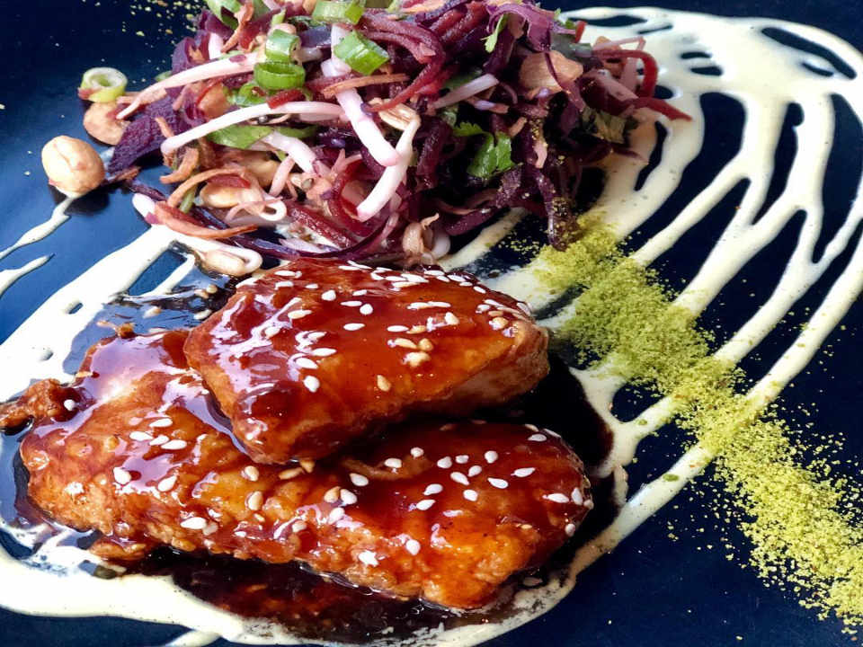 restaurant nourriture viande legume logo brix mortar vancouver colombie britannique canada ulocal produit local achat local produit du terroir locavore touriste