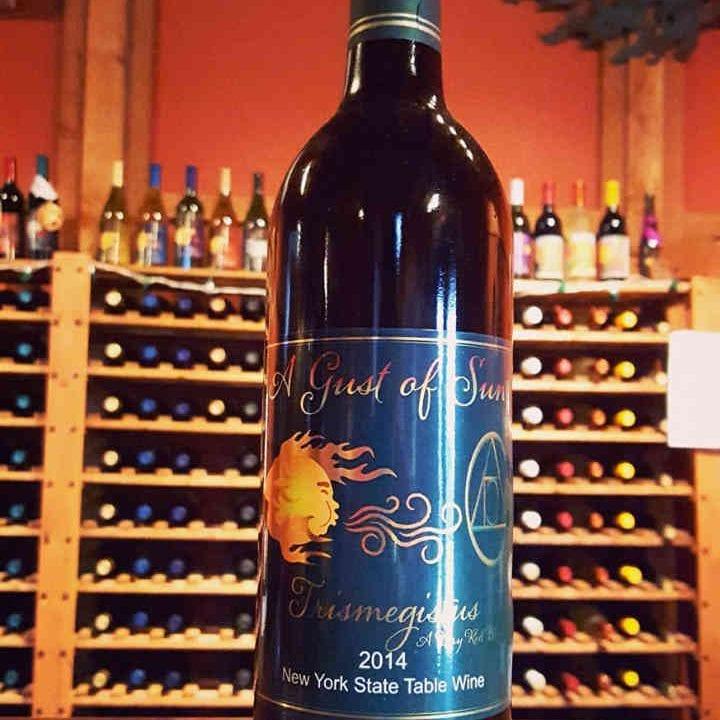 Vignoble bouteille de vin A Gust of Sun Winery & Vineyard Ransomville New York États-Unis Ulocal produit local achat local