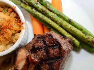Restaurant steak asperges Lift Resto Lounge Ottawa Ontario Canada Ulocal produit local achat local