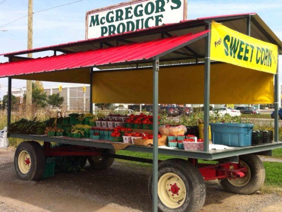 Marché de fruits et légumes kiosque de fruits et légumes McGregor's Produce Braeside Ontario Canada Ulocal produit local achat local