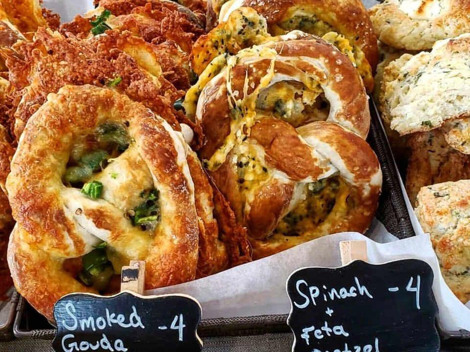 Marché public pretzel Ottawa Farmers' Market Ottawa Ontario Canada Ulocal produit local achat local