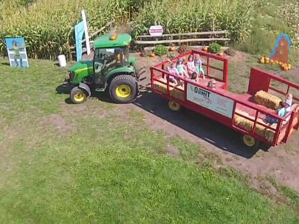 Produce Market tractor ride Ouimet Farms Adventure Vankleek Hill Ontario Canada Ulocal Local Product Local Purchase
