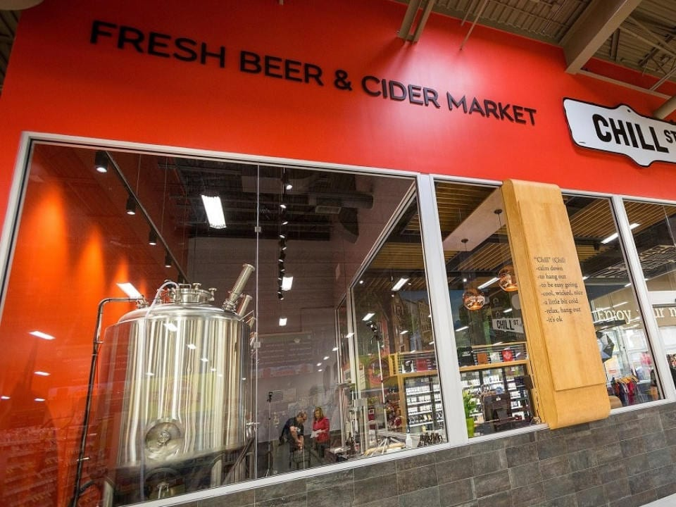 microbreweries brewing beer manufacturing plant apple cider chill st fresh beer and cider market elmsdale nova scotia canada ulocal local products local purchase local produce locavore tourist