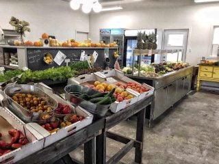 Marché de fruits et légumes biologiques Fraicheur Urbaine Granby Canada Ulocal produit local achat local produit terroir