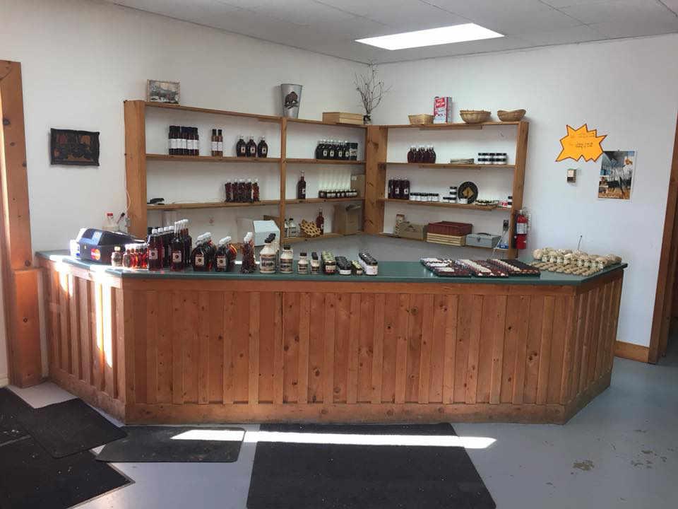 Cabane à sucre sirop d'érable Kenneth Maple Farms Inc. Glassville NB Canada Ulocal produit local achat local produit terroir