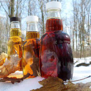Sugar shack maple syrup Kenneth Maple Farms Inc. Glassville NB Canada Ulocal local product local purchase local product