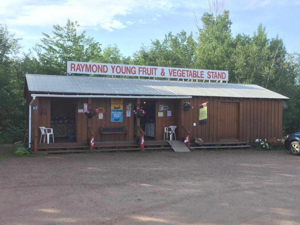 Marché de fruits et légumes Raymond Young's Family Farm Jemseg Nouveau-Brunswick Ulocal produit local achat local