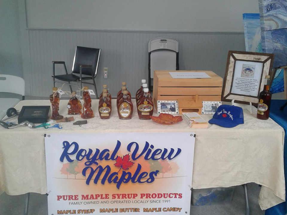 Sirop d'érable Royal View Maples Royalton Nouveau-Brunswick Ulocal produit local achat local