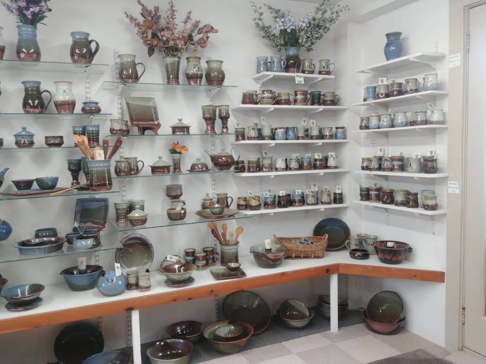 Poterie boutique artisanat The Pottery Shop - Crimmins Pottery Kingston Nouveau-Brunswick Ulocal produit local achat local