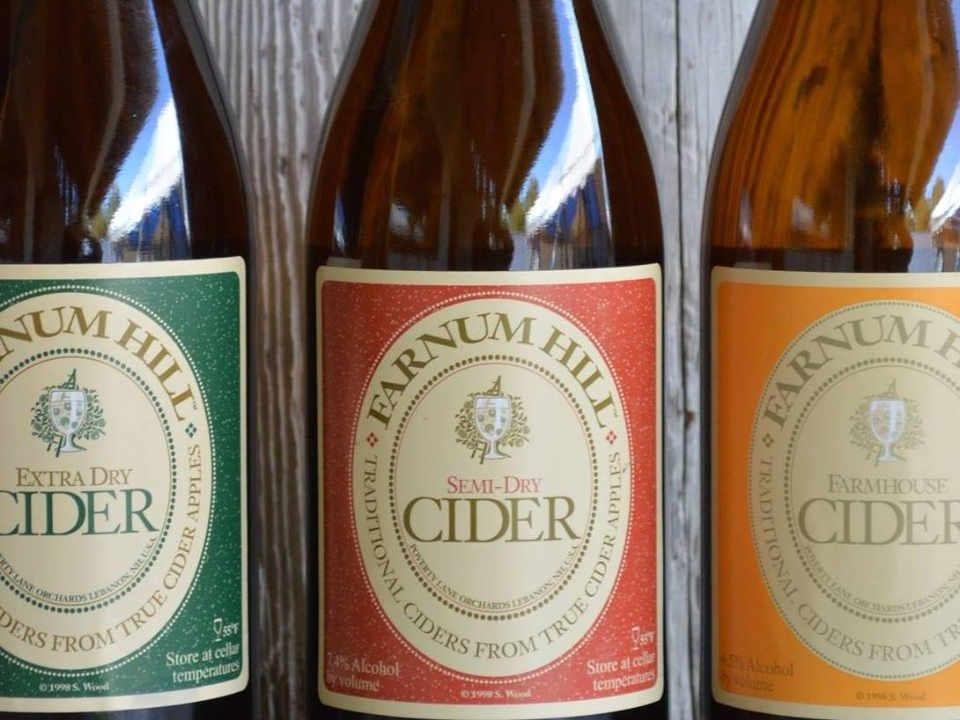 Alcool bouteilles de cidre Farnum Hill Cider Lebanon New Hampshire États-Unis Ulocal produit local achat local