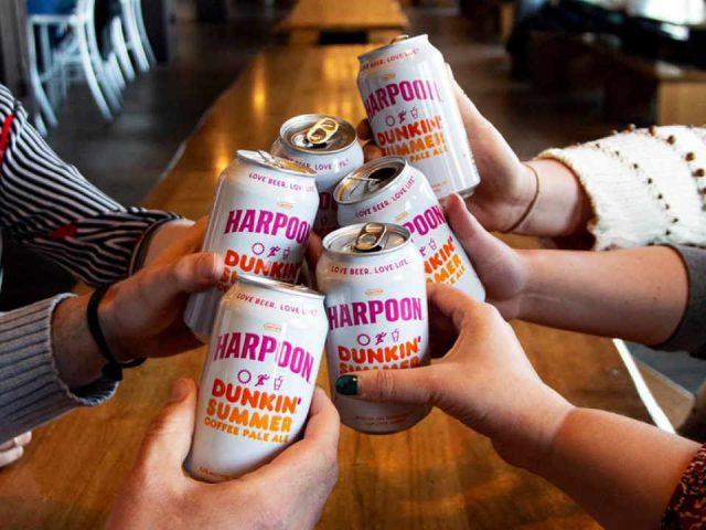 Microbrasserie canettes de bière Harpoon Brewery Boston Massachusetts États-Unis Ulocal produit local achat local