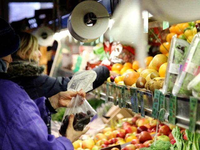 Épicerie étalage fruits et légumes Herb & Spice Shop Ottawa Ontario Canada Ulocal produit local achat local