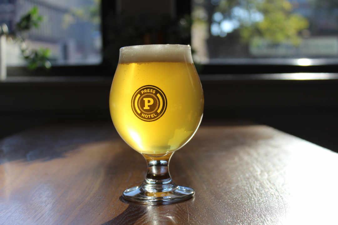 Microbrasserie verre de bière Maine Beer Company Freeport Maine États-Unis Ulocal produit local achat local
