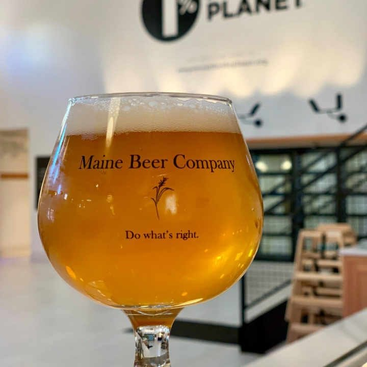 Microbrewery Beer Glass Maine Beer Company Freeport Maine United States Ulocal Local Product Local Purchase