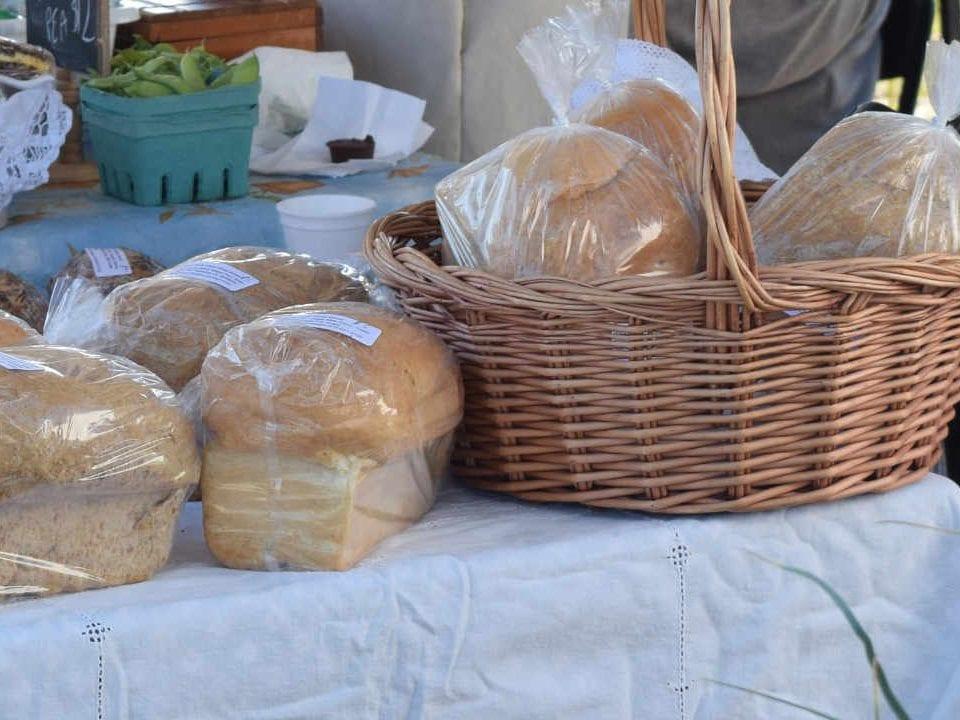 Marché public pains Renfrew Farmers' Market Renfrew Ontario Canada Ulocal produit local achat local