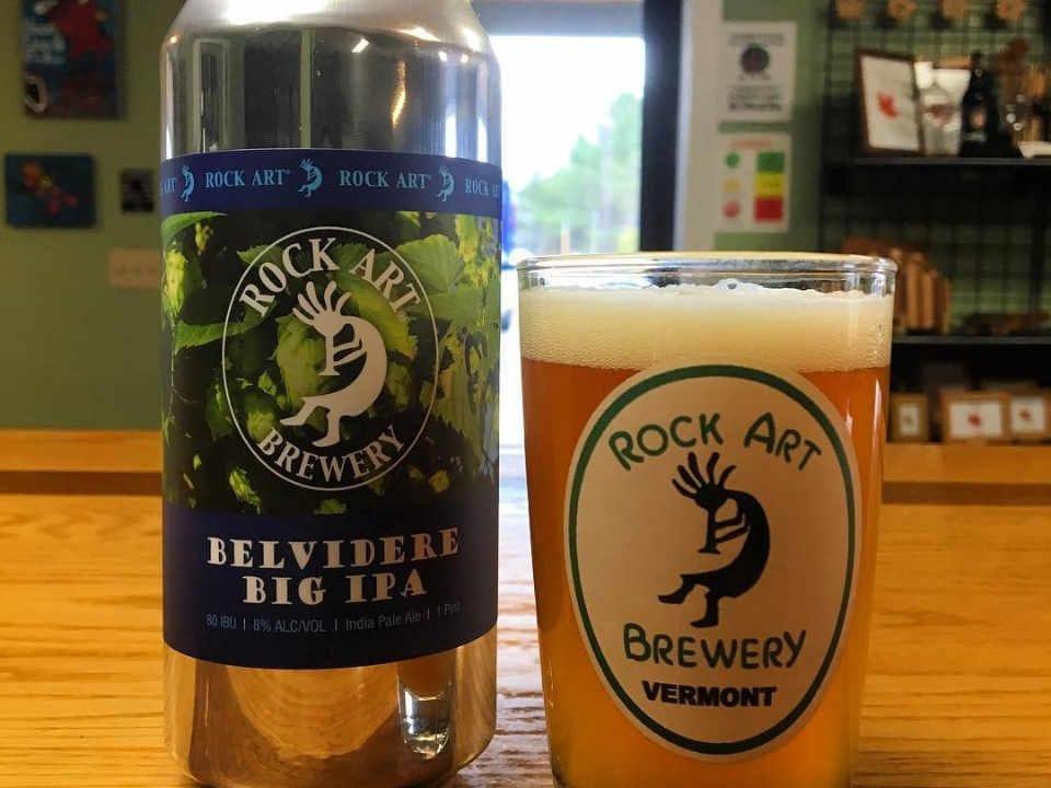 Microbrasserie verre et canette de bière Rock Art Brewery Morristown Vermont États-Unis Ulocal produit local achat local