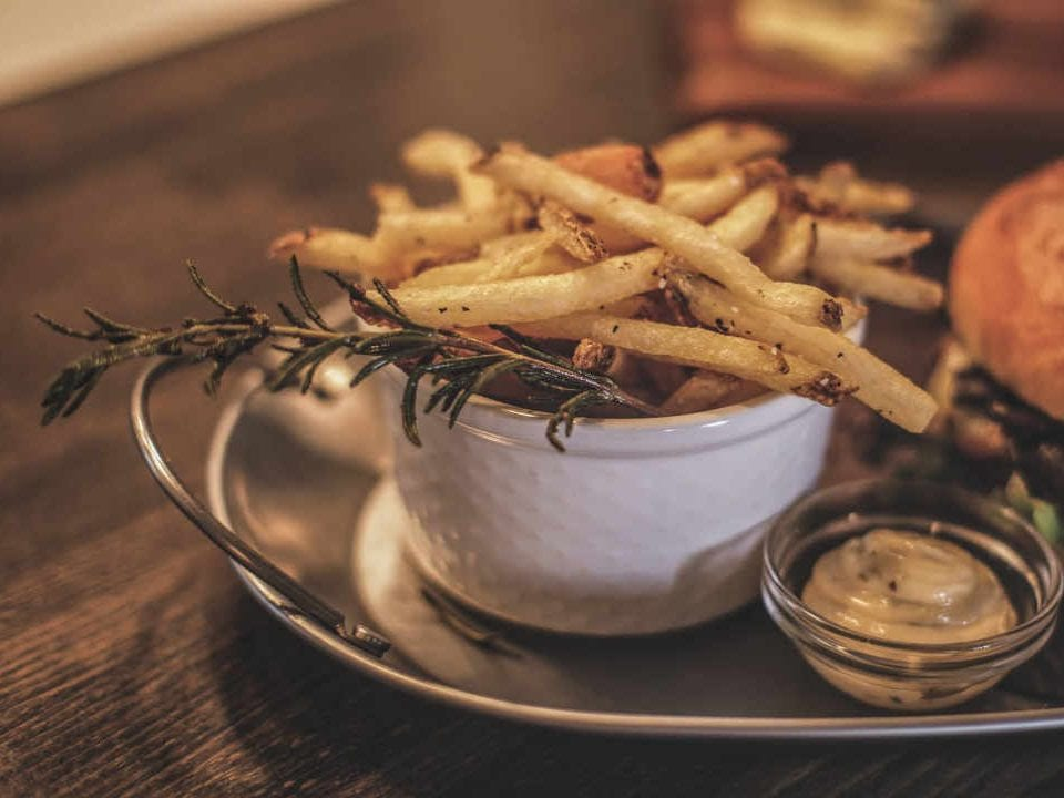 Restaurant french fries Vert Fourchette Vankleek Hill Ontario Canada Ulocal local product local purchase