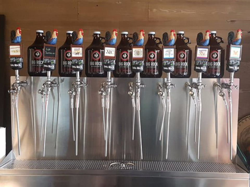 microbreweries growler station with 8 different options big rock brewery etobicoke ontario canada ulocal local products local purchase local produce locavore tourist