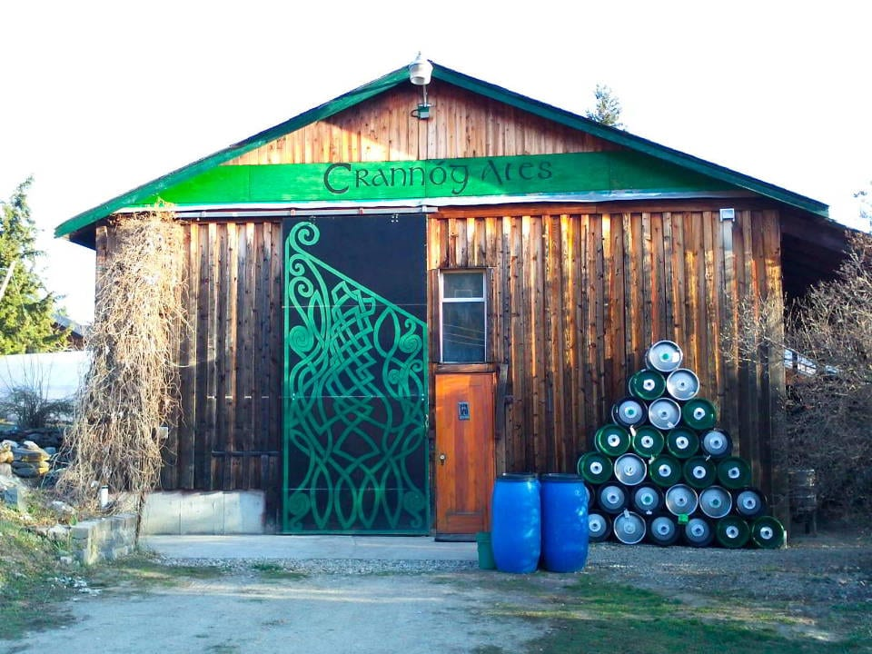 microbrasseries vue façade extérieure salle de dégustation crannog ales sorrento colombie britannique canada ulocal produits locaux achat local produits du terroir locavore touriste