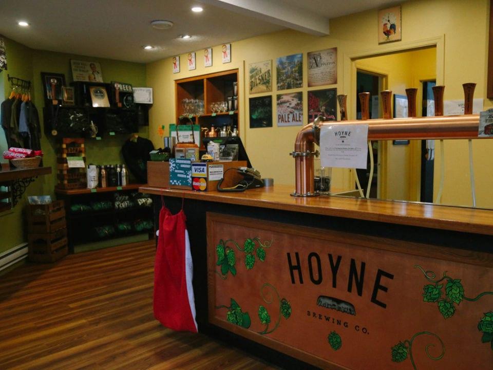microbrasseries intérieur bar de dégustation et boutique hoyne brewing co victoria colombie britannique canada ulocal produits locaux achat local produits du terroir locavore touriste