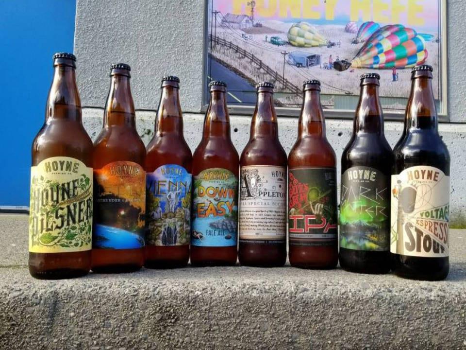 microbrasseries huit bouteilles bière sur tablette en pierre hoyne brewing co victoria colombie britannique canada ulocal produits locaux achat local produits du terroir locavore touriste