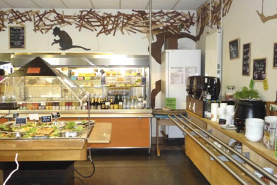 Organic food restaurant Pique-Prune Snacking Rennes Brittany France Ulocal local product local purchase local product