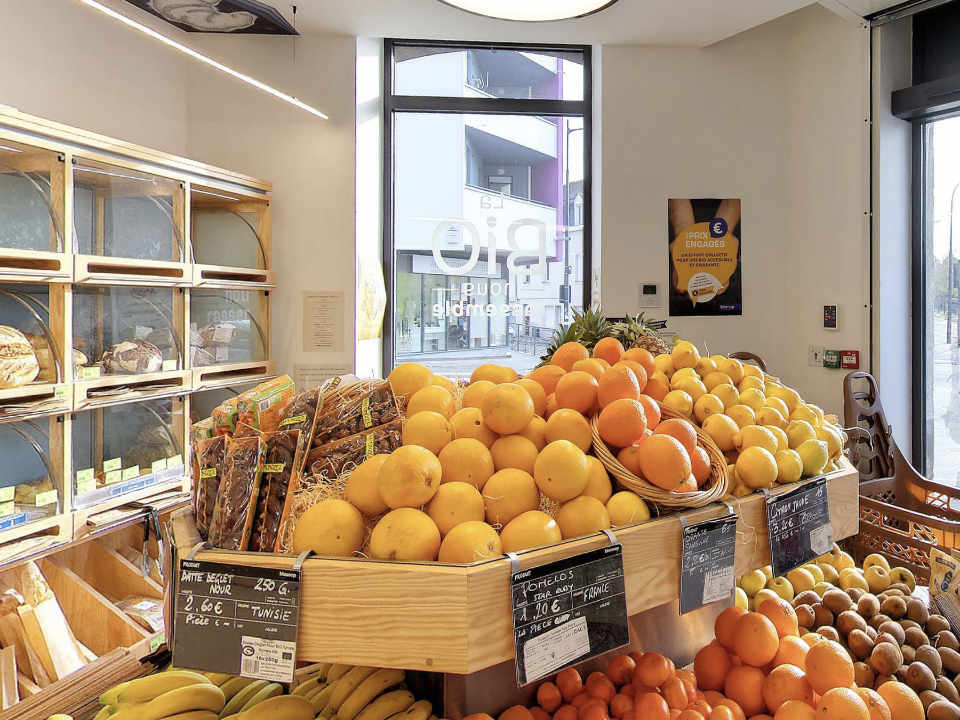 Grocery local organic food Scarab Biocoop rue de Paris Brittany France Ulocal local product local purchase