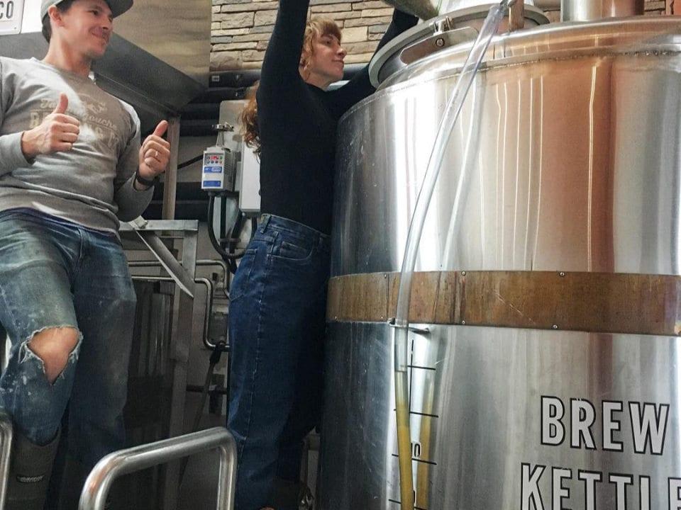 microbrasseries bière en fût organique production usine de fabrication tatamagouche nouvelle-écosse canada ulocal produits locaux achat local produits du terroir locavore touriste